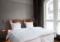 Une tête de lit individuelle et design Hotel Marseille, Hotel Panache, Decoration, Furniture, Tahiti, Design, Berlin, Home Decor, Headboards