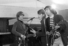 """""""The Warlocks,"""" who would later rename their band the """"Grateful Dead,"""" perform a show in 1965. Photo: Paul Ryan, Getty Images / Michael Ochs Archives"""