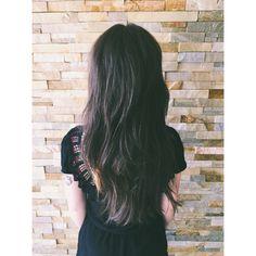 Long hair, layered hair , brunette, modern shag