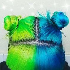 Neon green & blue Space buns & bangs, love the split effect x