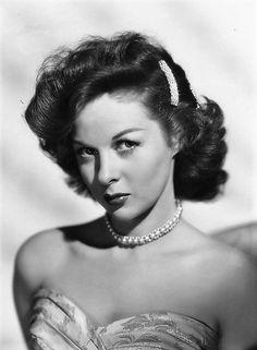 CLASSIC HOLLYWOOD GLAM — Susan Hayward, 1948