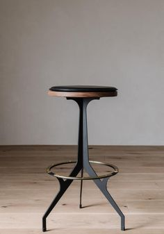 Ottoman Stool, Modern Retro, Bar Stools, Furniture Design, Dining Chairs, Lounge, Interior, Table, Home Decor