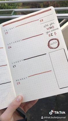 Bullet Journal Planner, Bullet Journal Minimalist, Creating A Bullet Journal, Bullet Journal For Beginners, Bullet Journal Cover Ideas, Bullet Journal Lettering Ideas, Bullet Journal Notebook, Bullet Journal Aesthetic, Bullet Journal School