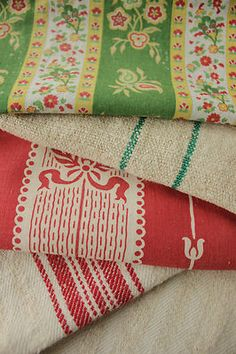 Antique Vintage French Cutting fabric Reworking Project bundle ~ green red linen
