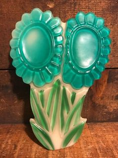 Vintage Mid Century Modern Acrylic Lucite Spoon Rest Blue Green Flowers Hippie Flowers, Green Flowers, Spoon Rest, Mid-century Modern, Blue Green, Mid Century, Vase, Vintage, Color