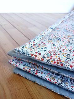 Tapis bébé ou enfant - éveil - jeu - sur-mesure - liberty Adélajda multicolore Tana Lawn - Tissus coton - tapis chambre ou salon - dimensions fond de parc - personnalisable - couverture plaid