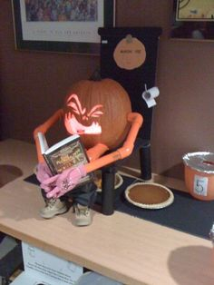 How Pumpkin Pies Are Made - halloween pictures halloween humor halloween jokes halloween cartoons