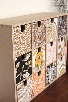 A MOPPE box is transformed by with vintage wallpaper by @LaBombetta76 #MIY #storage