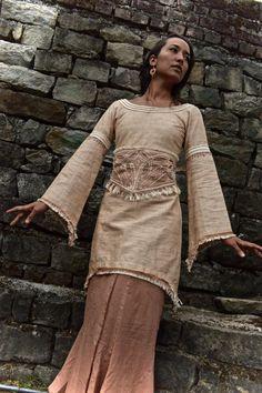 Mittelalterliche Schönheit lange Ärmel Tunika mit separaten Gürtel natürliche…
