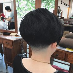 "109 Likes, 3 Comments - Rio Fujiwara (@irori_fujiwara) on Instagram: ""刈り上げと… #出雲 #出雲市 #出雲美容室 #fade #フェード #menshair #メンズヘア #menstyle #barberstyle #barber #バーバー #島根県…"""