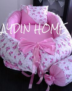 Baby Doll Bed, Baby Girl Bedding, Baby Dolls, Baby Doll Carrier, Baby Sewing Projects, Baby Crafts, Baby Patterns, Crochet Baby, Baby Shower Gifts