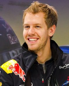 Vettel takes charge in Singapore FP2