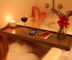 DIY Bathtub Caddy – DIY projects for everyone! Bathtub Table, Wood Bathtub, Diy Bathtub, Bathtub Caddy, Bath Tub, Clawfoot Tubs, Bathtub Ideas, Bathroom Bath, Bathroom Storage