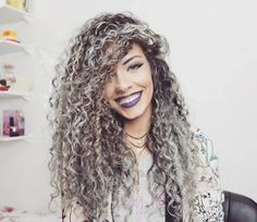 cabelos caracolados com luzes - Pesquisa Google