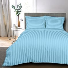 Not d Regular kind'a sheet.✨✨✨ This beautiful bed sheet will not only add a dash of colour and vibrancy to your home but also will fetch admiration and compliments. Blue Bed Sheets, King Size Bed Sheets, Bed Sheet Sets, Bed Sets, Striped Bedding, Linen Bedding, Bedding Sets, Comforter, Classic Bed Sheets