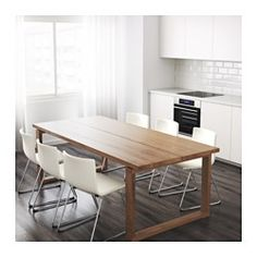 IKEA - MÖRBYLÅNGA, Bord, Bordet har ett toppskikt av massivt trä, ett slitstarkt naturmaterial som du kan slipa och ytbehandla när det behövs.Bra miljöval, eftersom konstruktionen med massivt trä på spånskiva är resurssnål.Bordets helstavsdesign ger det ett gediget plankuttryck med genuin träkänsla.Plankuttrycket förstärks av designen på kanterna.Varje bord är unikt med varierande ådring och naturliga färgskiftningar som är en del av charmen med trä.