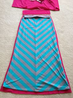 Diy Sewing Projects Sewing: Maxi Skirt A recent undertaking. Two hour sewing project! Easy Sewing Projects, Sewing Hacks, Sewing Tutorials, Sewing Crafts, Sewing Patterns, Skirt Patterns, Coat Patterns, Blouse Patterns, Sewing Ideas