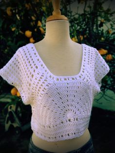Lazy Days Of Summer Top - Free Crochet Pattern - See http://www.knitandcrochetnow.com/wp-content/uploads/2012/10/2-204-crochetlazydaze_pattern.pdf For PDF Link - (positivelylace)
