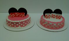 Minnie mouse smash cakes for twin girls www.cakesbykimberly.biz www.facebook.com/CakesByKimberlyRitter