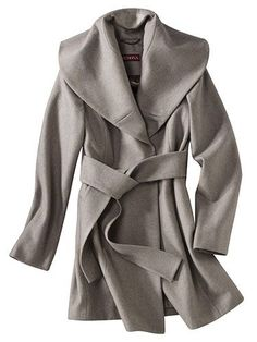 I love this coat!  I wonder if it comes in yellow?  A few more inches and I'll get one!