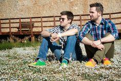 Cómo ir mona monísima sin dejarse los pies en el intento, espadriles cómodos, bonitos y con colores vivos y alegres , zapatos para gente feliz  :)http://www.mbfestudio.com/2014/04/juventud-y-tradicion-combinados-en.html?spref=tw