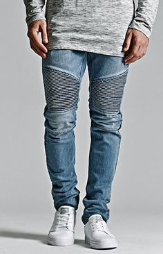 "Online Only! The reinforced, ribbed topstitching combined with the articulating knee panels provide the Medium Moto Stacked Skinny Jeans with an edgy look. These modern men's jeans amplify a basic look with precisely engineered paneling and promote freedom of movement from the stretch construction.     FIT   	Stacked Skinny 	Sits at waist with slightly higher rise 	Roomier through seat and thigh 	Tapered from knee through leg opening 	10 5/8"" rise 	13"" leg opening   ..."