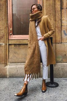 The best street style – Mode Outfits Street Style Outfits, Look Street Style, Mode Outfits, Fall Outfits, Fashion Outfits, Fashion Ideas, Christmas Outfits, Grunge Outfits, Christmas Sweaters