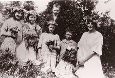 Lokalhistorisk biletsamling i Tysnes: Med blomekrans i håret