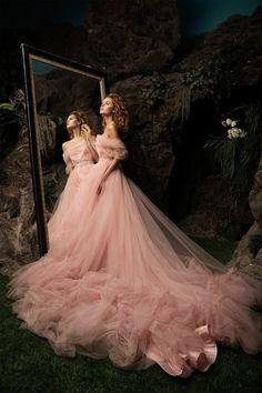 Fashion Photography…by Janna Kuzko Photographer. Elegant Dresses, Pretty Dresses, Formal Dresses, Ball Dresses, Flower Girl Dresses, Girls Dresses, Fairytale Dress, Princess Fairytale, Fairytale Fashion