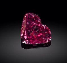 1.01 carat FANCYS Color Type | A Vivid Purplish Pink Diamond from 2010 Argyle Pink Diamond Tender