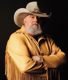 Charlie Daniels - I thought I was soooo cool because I knew all the words to Devil Went Down to Georgia, even the curse word! But to hear him sing How Great Thou Art. it's not often you cry at a Charlie Daniel's concert! Country Musicians, Country Music Artists, Country Music Stars, Country Songs, Outlaw Country, Country Men, Before I Forget, Charlie Daniels, Down South