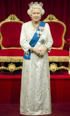 Let's talk about how insanely real the new Madame Tussaud's waxwork of the Queen is