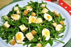 Sopa de Sopa : Huevos de codorniz sobre ensalada de rúcula #PONUNAENSALADA