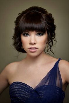 My only worry with bangs is prom hair...but this is beautiful so maybe I'll do the bangs :)
