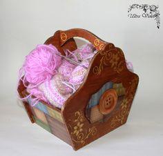 Knitting BasketKnitting box knitting needles box by UltroViolet