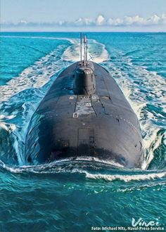 Battle Of Stalingrad, Russian Submarine, Nuclear Submarine, Navy Air Force, Navy Military, War Photography, Nuclear Power, Yellow Submarine, Navy Ships