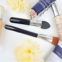 #ByTerry Thursday and we've got some new products for you! These brushes are brand new and are perfect multitasking brushes, but especially good for base application... #makeup #makeupartist #mua #pretty #fotd #motd #instagood #instadaily #beautyblog #selfie #makeuptutorial #follow #like #instalike #youtuber #beautyguru