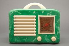 General Television Art Deco Marbled Green + Ivory Bakelite Radio - 1940
