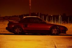 Lovely night shot of a Toyota MR2 AW11 (via http://86fighters.wordpress.com )