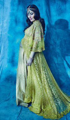 Mother-to-be Kareena slayed in a green ensemble by Anju Modi and Rajesh Pratap.