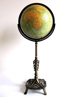 Vintage Globe for the map/office room! Antique Vintage World Globe Art Deco Victorian Post WWII Globes Terrestres, World Globes, Art Globe, Globe Decor, Globe Vintage, Vintage Antiques, Vintage Items, Art Nouveau, Art Deco
