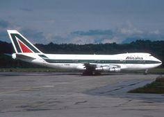 Vintage Alitalia Boeing 747-100