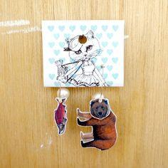 【受注制作】ふらふらピアス Lサイズ「熊と紅鮭」fp-l-01