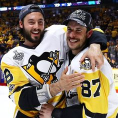 Kris Letang and Sidney Crosby / Pittsburgh Penguins – 2017 Stanley Cup Champions. Kris Letang and Sidney Crosby / Pittsburgh Penguins – 2017 Stanley Cup Champions. Pens Hockey, Hockey Teams, Ice Hockey, Sports Teams, Hockey Rules, Blackhawks Hockey, Chicago Blackhawks, Pittsburgh Sports, Pittsburgh Penguins Hockey