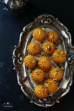 Jagruti's Cooking Odyssey: Kaju, Kesar and Mawa Ladoo / Ladu - Creamy Cashew and…
