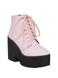 Feelin' purdy in pink platforms // Pastel Pink Lace Up Platform Booties