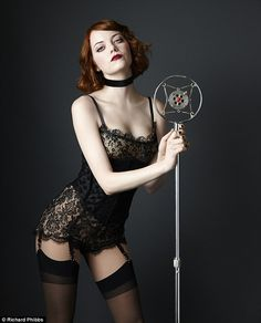 Emma Stone Screams At the Audience in New 'Cabaret' Stills!: Photo Emma Stone screams at the audience in these brand new production photos of her Broadway debut as Sally Bowles in Cabaret. Emma Stone Cabaret, Tattoo Son, Actress Emma Stone, Actrices Sexy, Retro Mode, Hot Lingerie, Celebs, Celebrities, Pin Up Girls