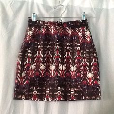 H&m high wasted mini skirt. Best fits a 0 or xs Only worn once. Still looks new H&M Skirts Mini