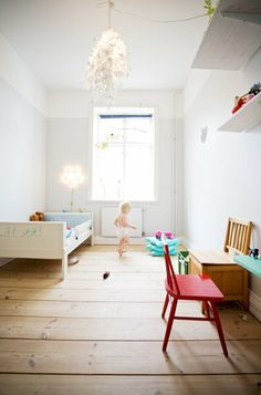 white walls in kids' room