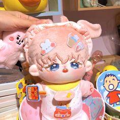 Kawaii Plush, Cute Plush, Hello Kitty Clothes, Frog Art, Kawaii Accessories, Cute Stuffed Animals, Cute Anime Chibi, Anime Dolls, Cute Doodles